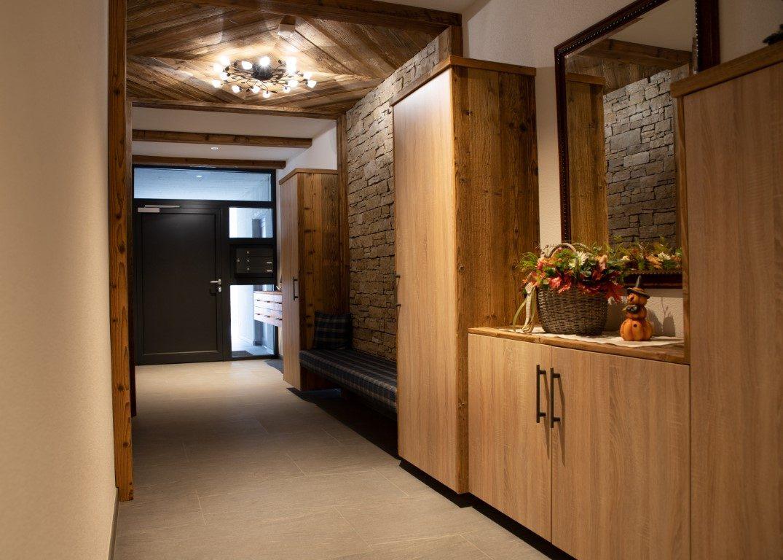 Garderobe, Decke & Tür